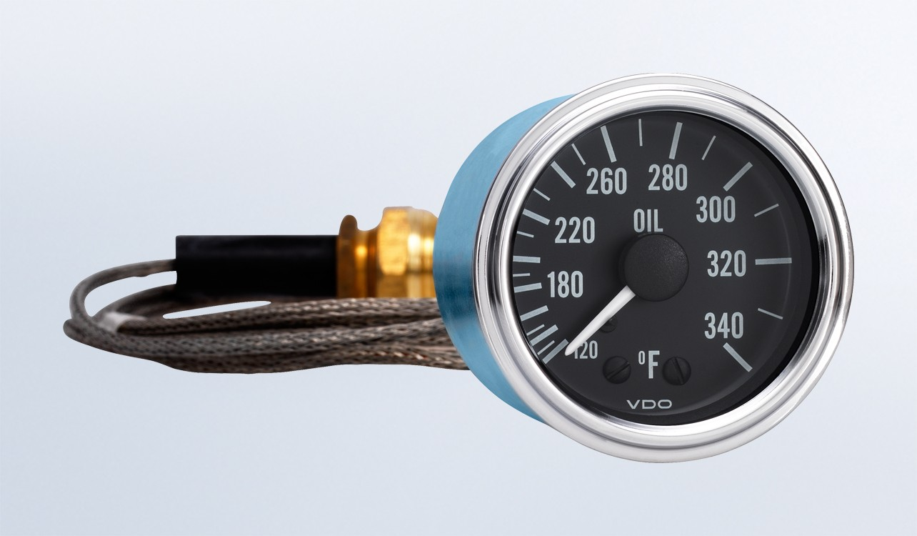 "Series 1 340°F Oil Temperature Gauge with 144"" Capillary 