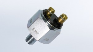 Pressure Switch, 11.6 PSI/.8 bar, Contact Closes as Pressure Falls, Floating Ground  M10x1
